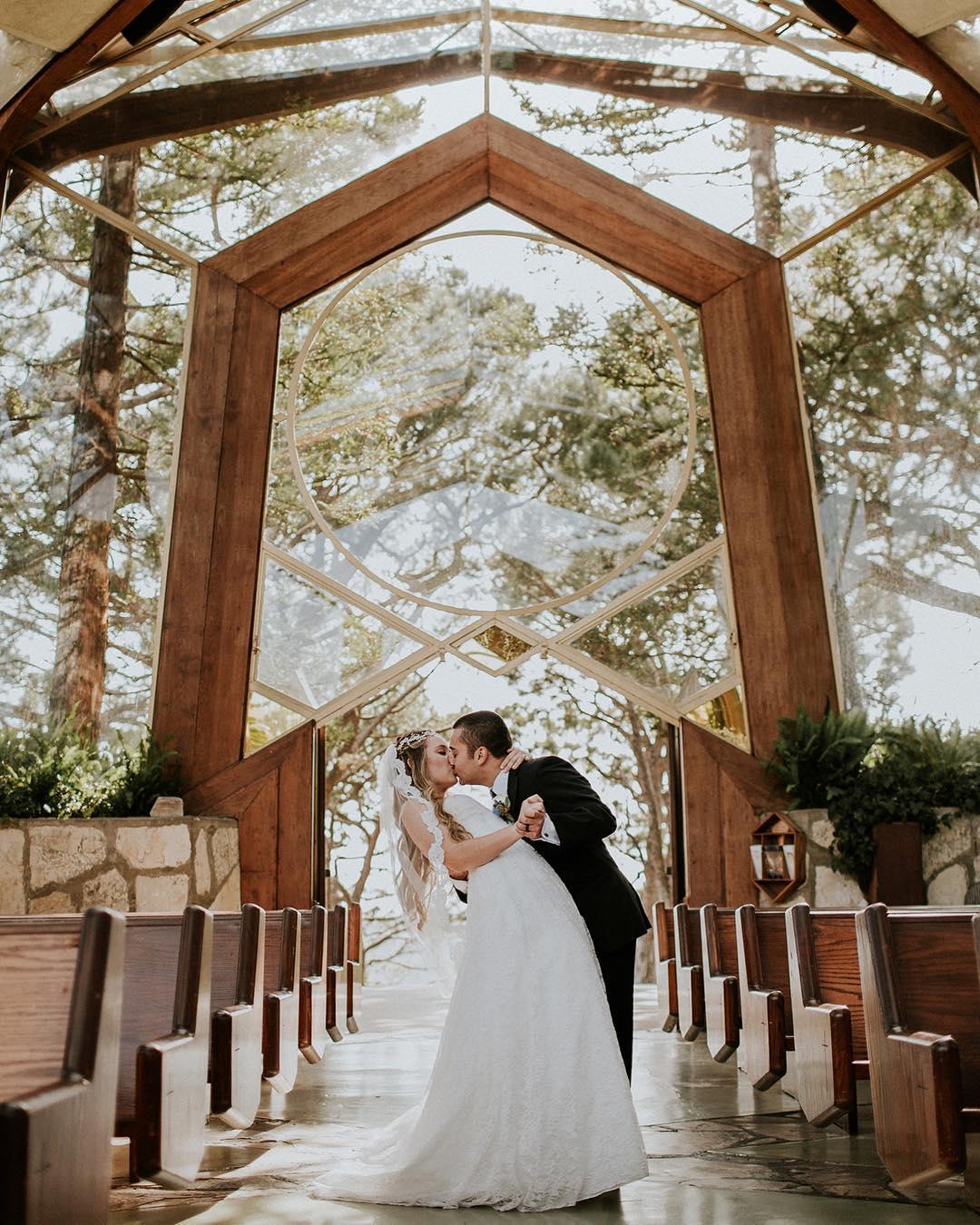 First Dance Songs 2018: Best Beach Wedding Locations, Los